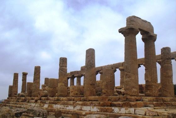 Ruina del Antiguo templo griego de Juno (V-VI a.C.), en el Valle de los Templos, Agrigento, Sicilia. © Miguel Busto