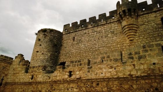 muralla perimetral del Castillo de Portillo (Valladolid, Castilla y León).