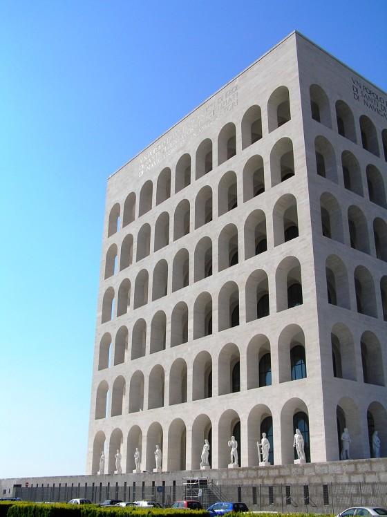 Palazzo della Civilità Italiana o Coliseo cuadrado, encargado por Benito Mussolini en 1935.