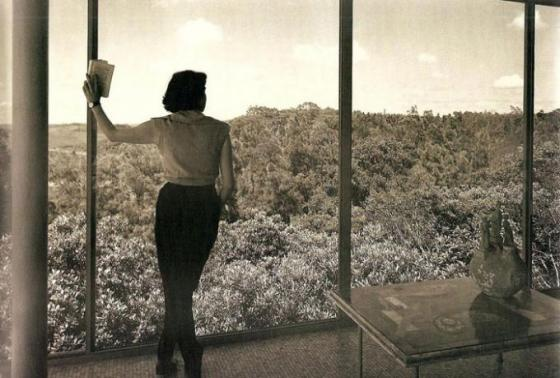Casa de vidrio por Lina Bo Bardi, São Paulo 1949-1951